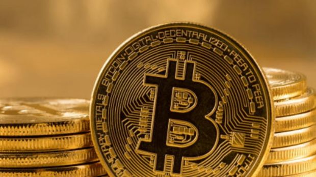 Bitcoin tensions rise as investors claim banks freezing their accounts
