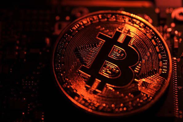 Bitcoin, US tech stocks are biggest bubbles, Deutsche Bank survey says