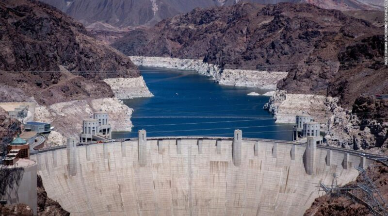 Lake Mead at the Hoover Dam to reach lowest water level in decades