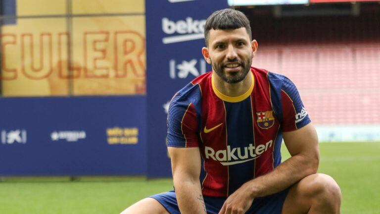 Busquets and Alba pay cuts allow Barca to register Aguero