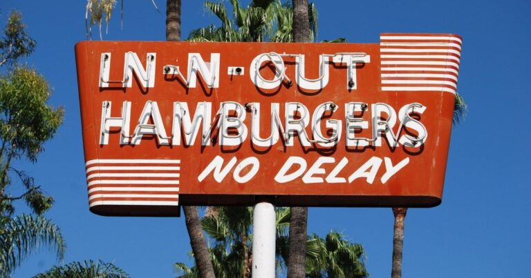 In-N-Out fined by Bay Area county for violating vaccine verification guidelines – CBS News